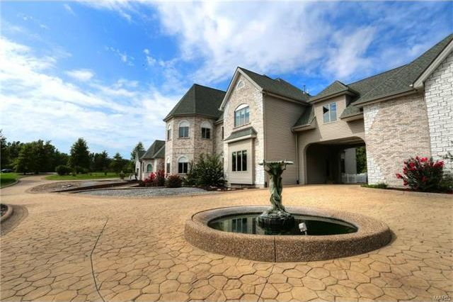 Breathtaking Mansion For Sale in O'Fallon, MO