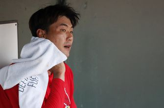 Groin tightness doesn't hold Cards' Kim back against Mets,