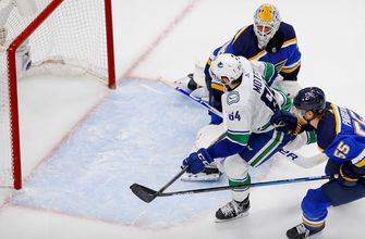 Blues squander two-goal lead, fall 4-3 to Canucks in Game 5,