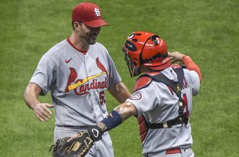 Wainwright goes the distance as Cardinals defeat Brewers 4-2 in Game 1 of twin bill,