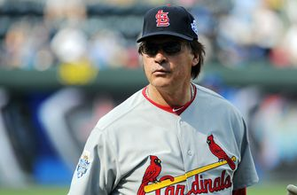 Back in the dugout: White Sox hire La Russa as manager,