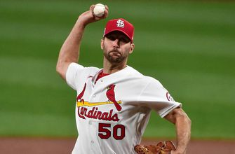 Wainwright returns, signs one-year deal with Cardinals for 2021 season,