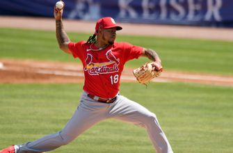 Martínez pitches three uneven innings in Cards' 8-5 loss to Mets,